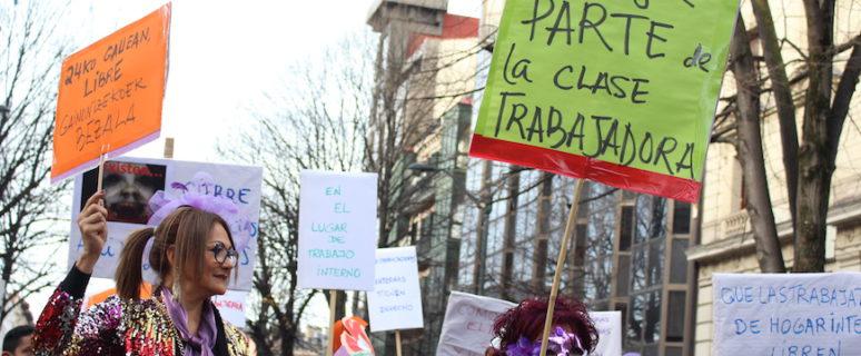 """Trabajadoras del hogar marchan en Bilbao para exigir que """"El 24 ceno en mi casa"""". 23/12/2018"""