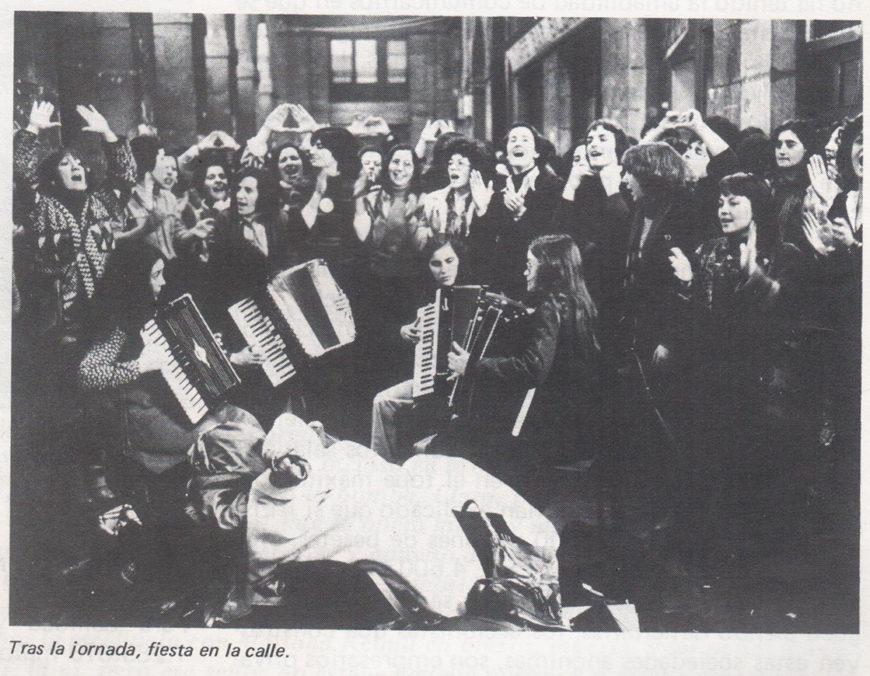 Fotografía que acompañaba el artículo de 'Vindicación feminista'.
